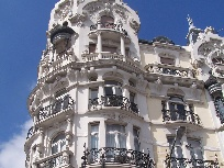 Galerie Madrid anzeigen.
