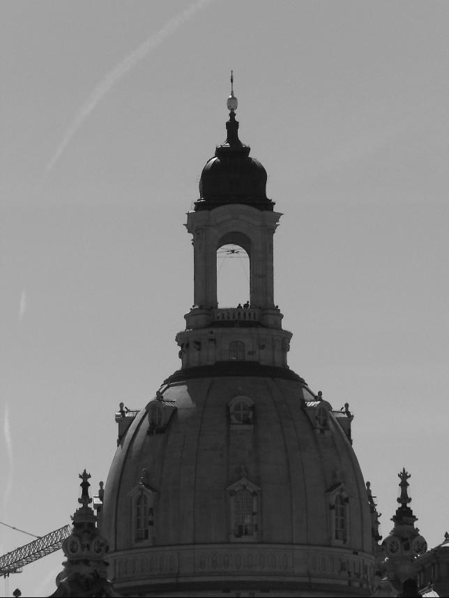 http://www.pro3d.de/paul/privat/cache/vs_Dresden_0100_4174.JPG